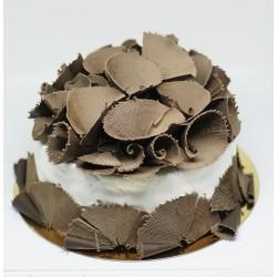 Tort okrągły ze skrobaną czekoladą (deserowa)